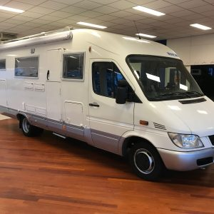 MAESS CAMPER OP MERCEDES CHASSIS 2003